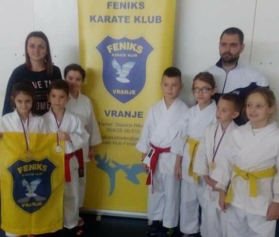 """Nove medalje za karate klub ,,Feniks"""""""
