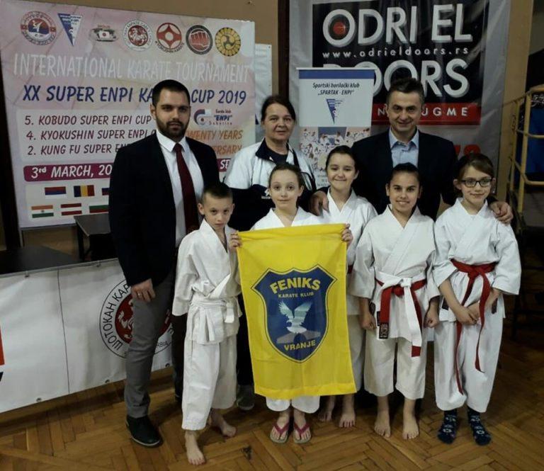 """Pet medalja od 1200 takmičara za karate klub ,,Feniks"""""""