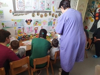 Uskršnja radionica i izložba dečjih radova na Pedijatriji