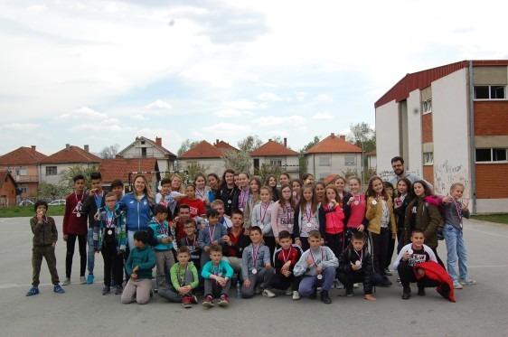 Deca migranti igrali fudbal i kriket sa svojim vršnjacima iz Vranja
