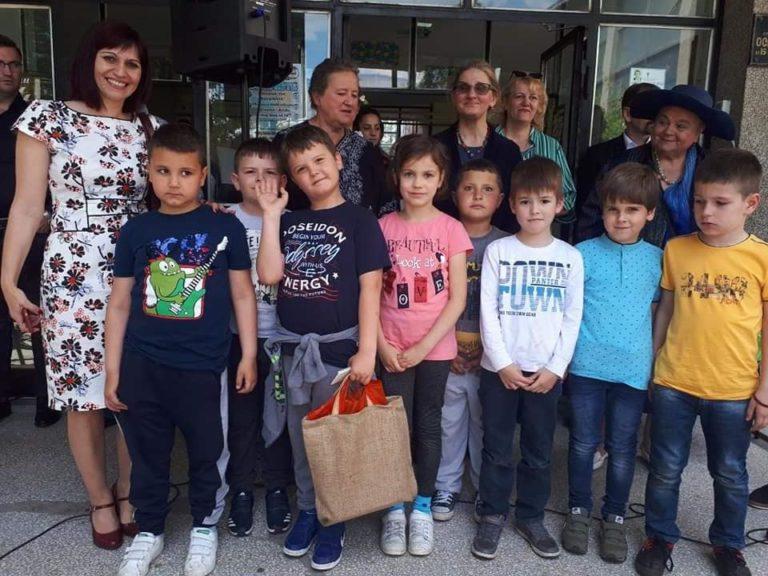 Škola Radoje Domanović osvojila prvo mesto na republičkoj smotri Dani ćirilice