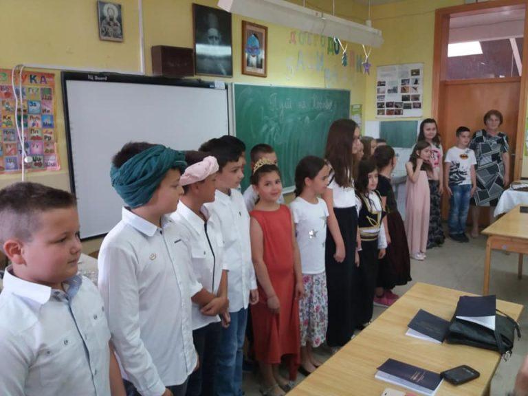 Učenici OŠ Branko Radičević održali priredbu Put na Kosovo povodom Vidovdana
