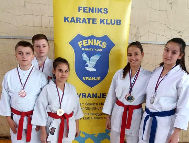 Karatisti Feniksa na Kupu Srbije osvojili pet medalja