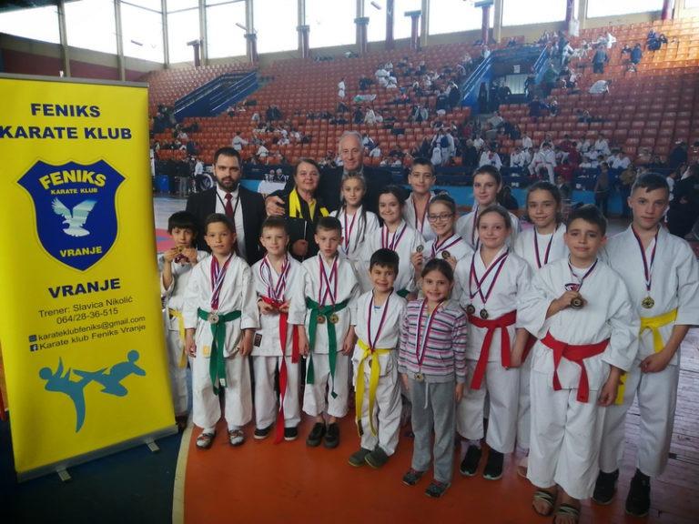 "Karate klub ,,Feniks"" doneo trideset jednu medalju u naš grad"