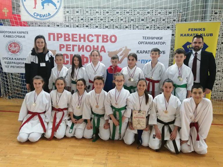 Karate klub Feniks u Vranje doneo dvadeset jednu medalju iz Bojnika