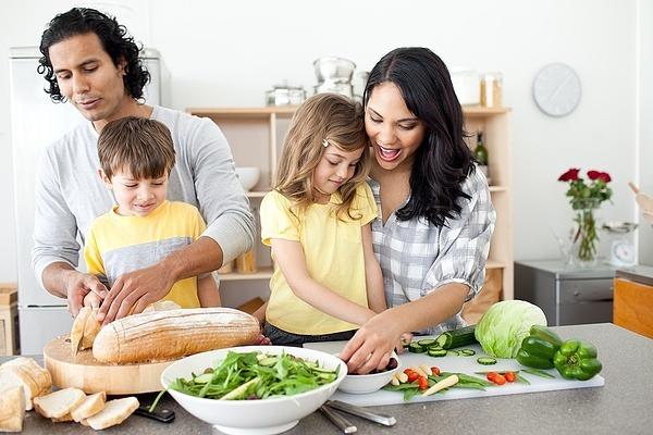 Recepti za decu – kako do šarenog i ukusnog tanjira
