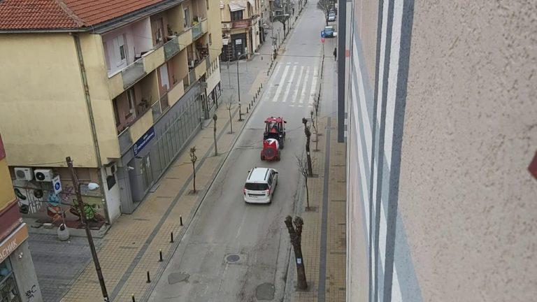 Nastavlja se dezinfikovanje javnih površina i ulica u Vranju