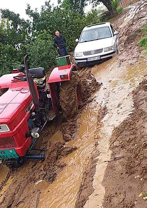 Gornji Neradovac pod blatom, meštani mole za pomoć