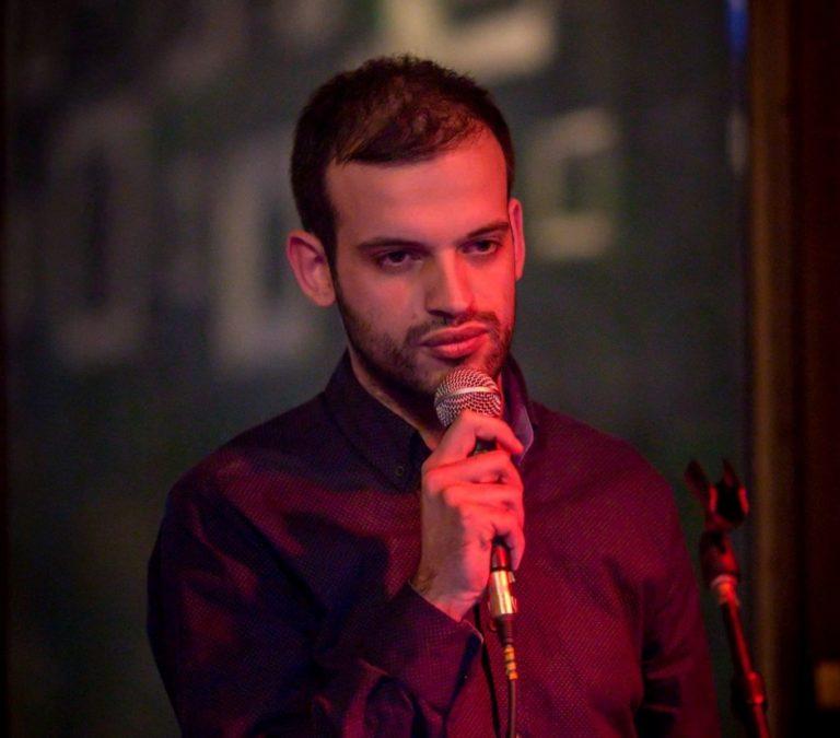 Dušan Mihajlović iz Vranja je Stend-up komičar, autor muzičke emisije i još svašta nešto